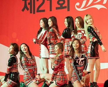 TWICE Rank 3rd On 40 Coolest Coordinated Girl Group Outfits