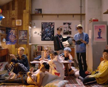 EXO The Power of Music Parallel Universe